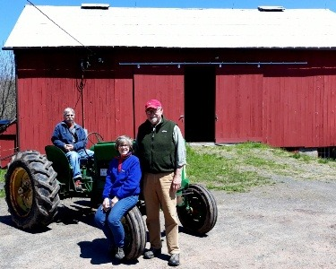 Pete and Leeann Bartkoski with Dale Bertoldi at Hawk Hill Farm